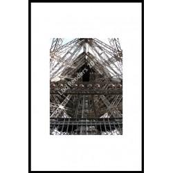luc renders - Symmetry